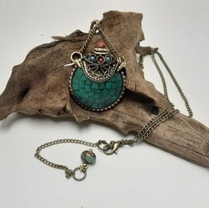 Jewelry - VINTAGE TURQUOISE ENCAPSULATED NECKLACE